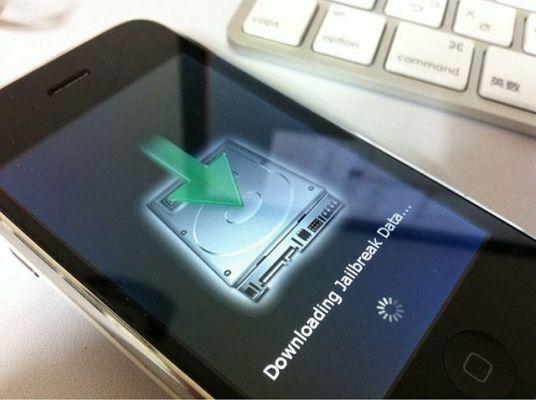 Хакеры разблокируют iPhone Activation Lock используя