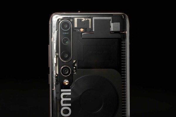 Xiaomi всё же выпустит прозрачную версию флагмана Mi 10