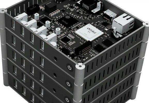 В России начали производить миниатюрный суперкомпьютер набазе процессора Байкал