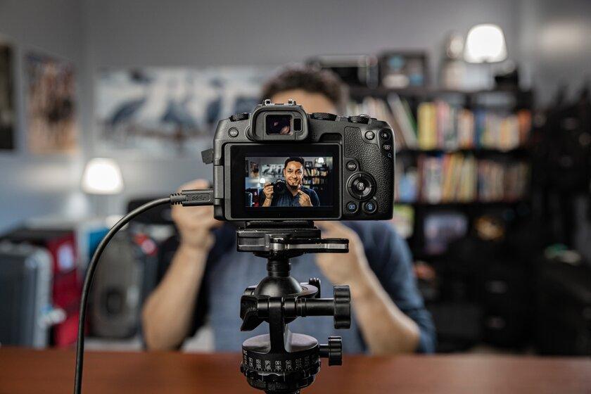 Canon выпустила программу дляиспользования фотоаппаратов вкачестве веб-камеры