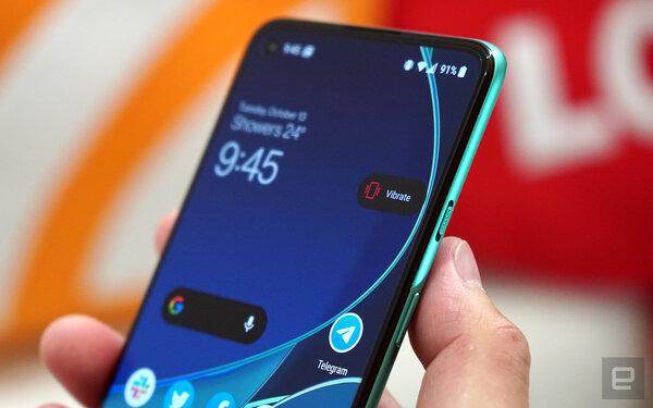 Представлен OnePlus 8T: дисплей 120 Гц срежимом Always On изарядка 65 Вт