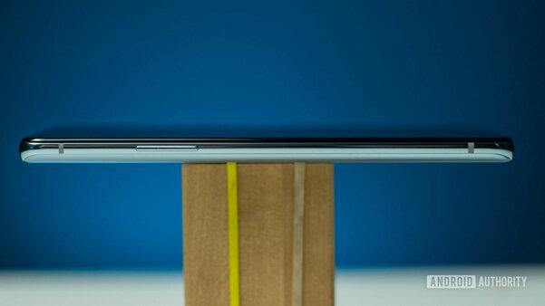Обзор OnePlus 8T: экран на120 Гц, зарядка на65 Вт итонна смелости