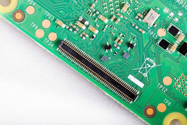 Представлен компьютер Raspberry Pi Compute Module 4— ещё быстрее именьше