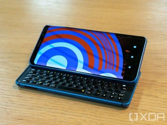 XDA Developers выпустили собственный смартфон наLineageOS