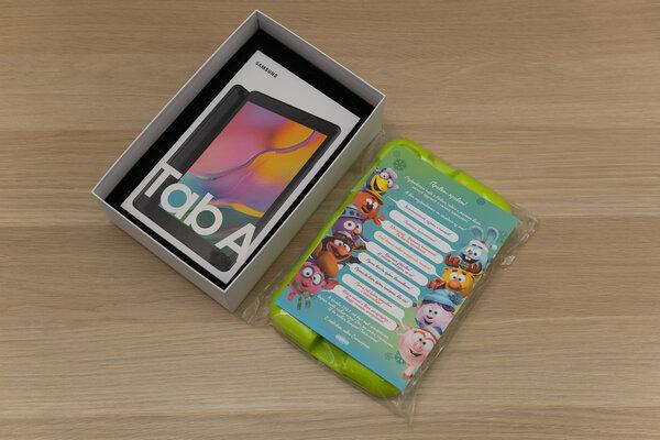 Недорогой, противоударный инадёжный. Тестируем детский планшет Galaxy TabA 8.0 Kids Edition — Распаковка и первый взгляд. 2