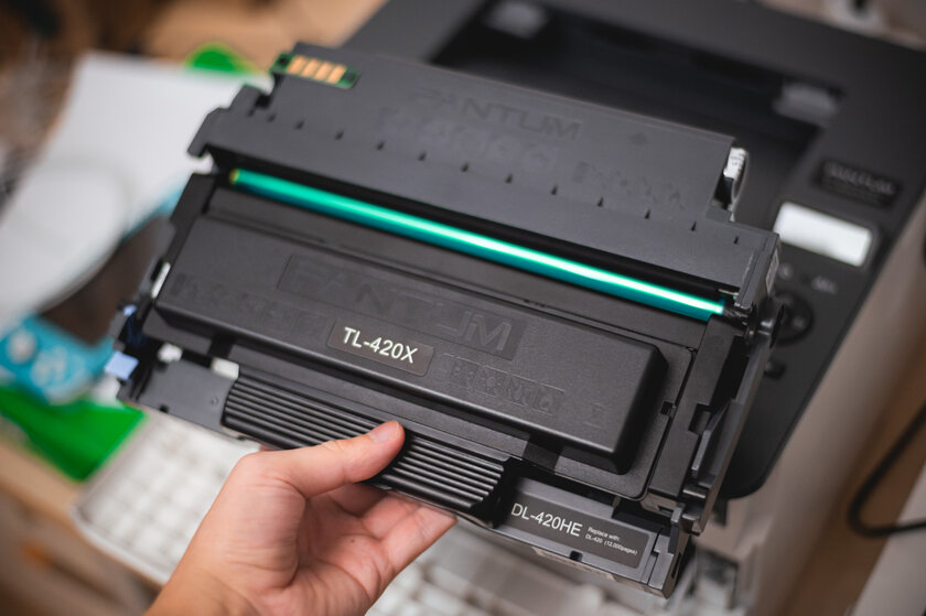 Review of the Pantum P3300DN printer: cartridges with convenient refilling