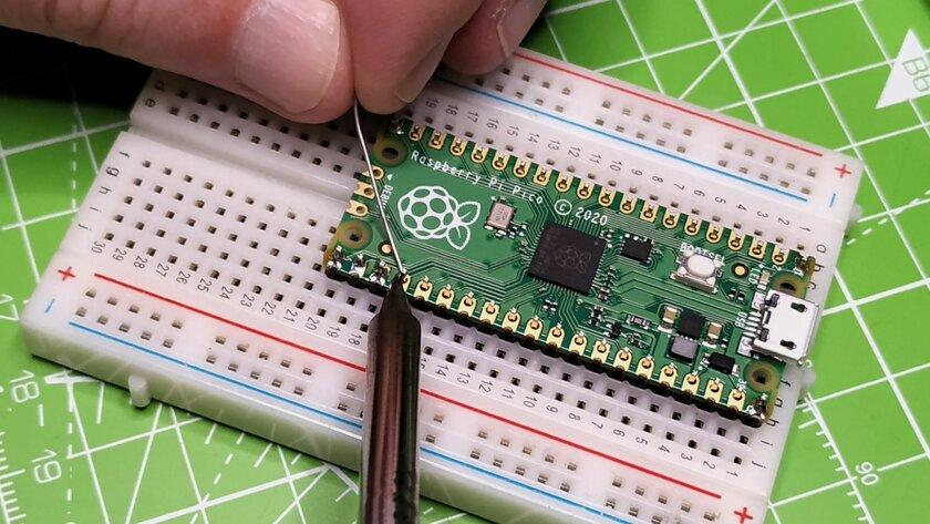 Компьютер за4 доллара размером спалец: обзор RaspberryPi Pico