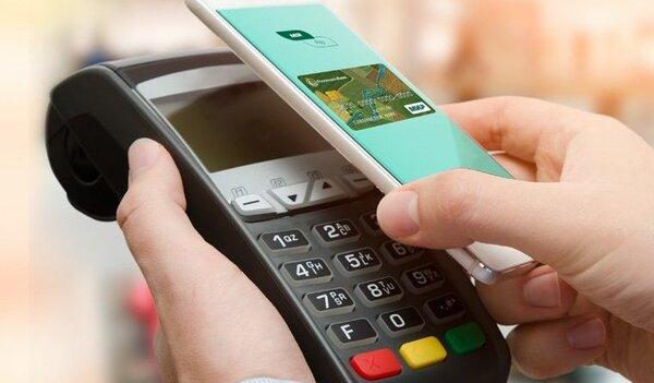 Уже скоро владельцы iPhone смогут расплачиваться картами «Мир» через Apple Pay