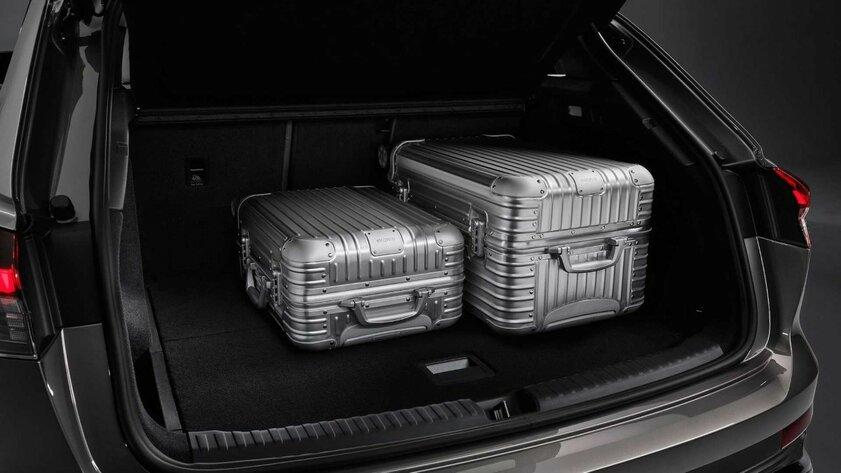 Audi раскрыла особенности Q4 E-Tron допрезентации: стильный кузов идополненная реальность