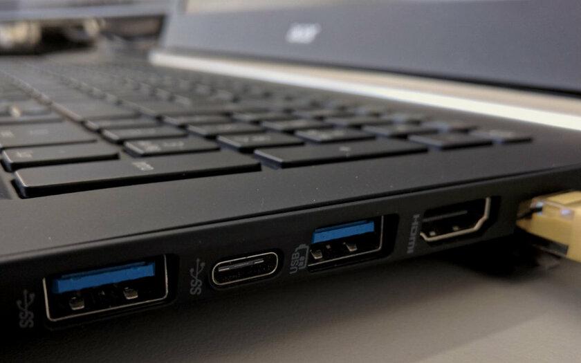 Почему ноутбук вибрирует и бьётся током: так происходит только при прикосновении