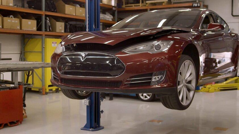Первые автомобили Tesla уже израсходовали ресурс аккумулятора: замена обойдётся очень дорого