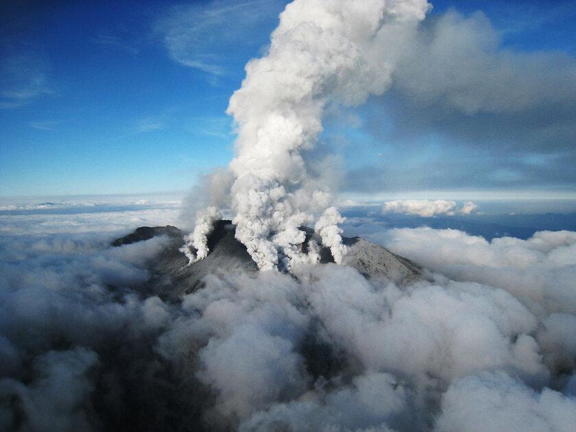 Снимки со спутников могут предсказывать извержения вулканов: как это работает