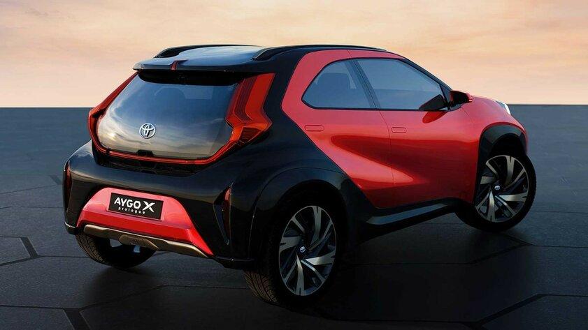 Toyota показала новый Aygo: больше кроссовер, чем хетчбэк