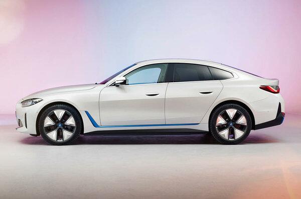 BMW показала новый электрокар i42021 года: его продажи начнутся кконцу года