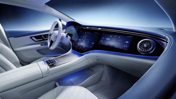 Новый флагманский электромобиль Mercedes потрясает своим салоном
