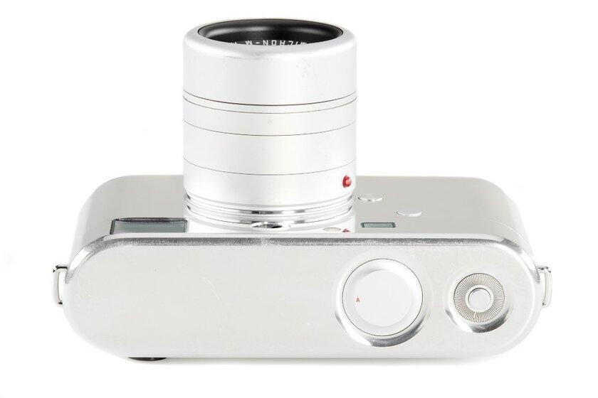 Фотоаппарат Leica сдизайном отДжони Айва продают нааукционе за0 тысяч