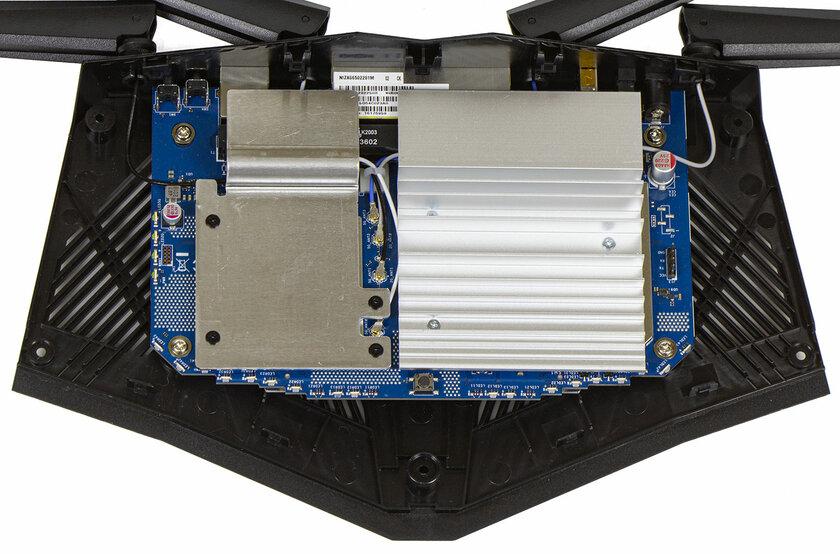 Дизайн космического корабля исоответствующая начинка. Обзор роутера ASUS RT-AX82U — Начинка. 1
