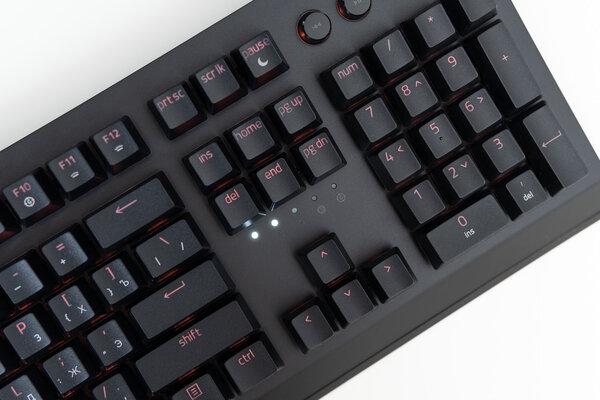 Гейминг может быть беспроводным: обзор клавиатуры Razer BlackWidow V3 Pro — Внешний вид и удобство. 4