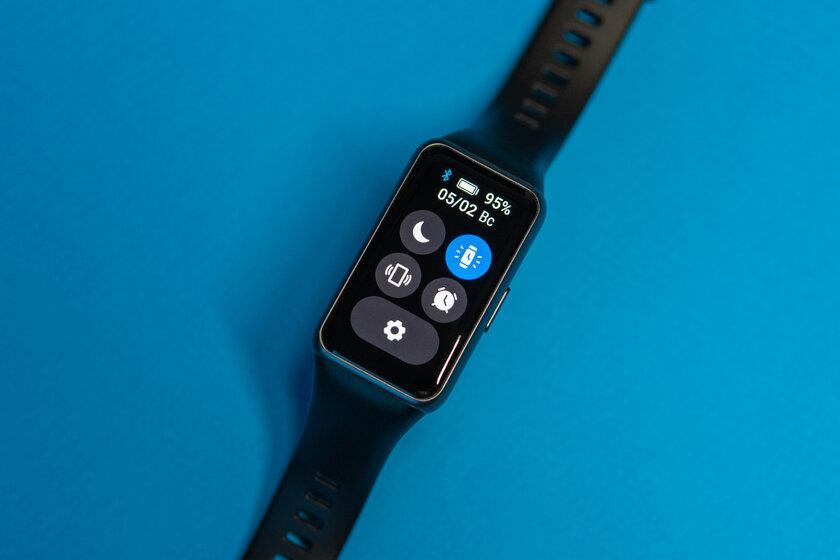 Удобнее браслета, компактнее часов: обзор Huawei Band6