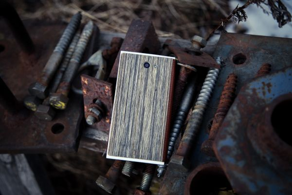 Для смартфона от Jolla появился чехол из дерева