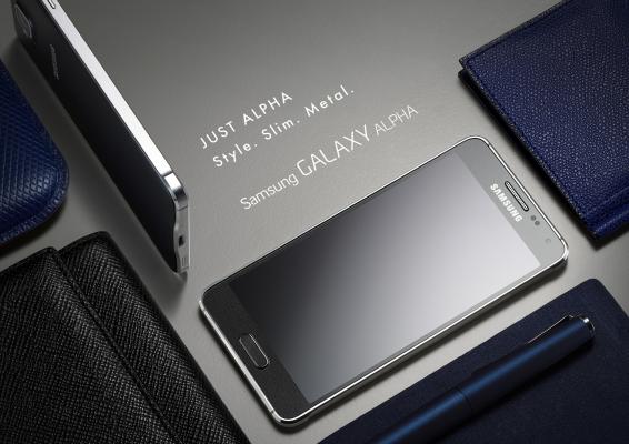 Samsung показала двух новых представителей линейки GALAXY Alpha