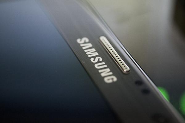 Samsung ведет переговоры с LoopPay для запуска конкурента Apple Pay в 2015 году
