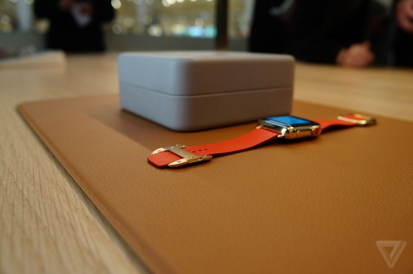Фотогалерея: магазины Apple во время запуска предзаказов на Apple Watch
