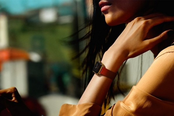 Apple выпустила три видео-рекламы по случаю начала продаж своих часов