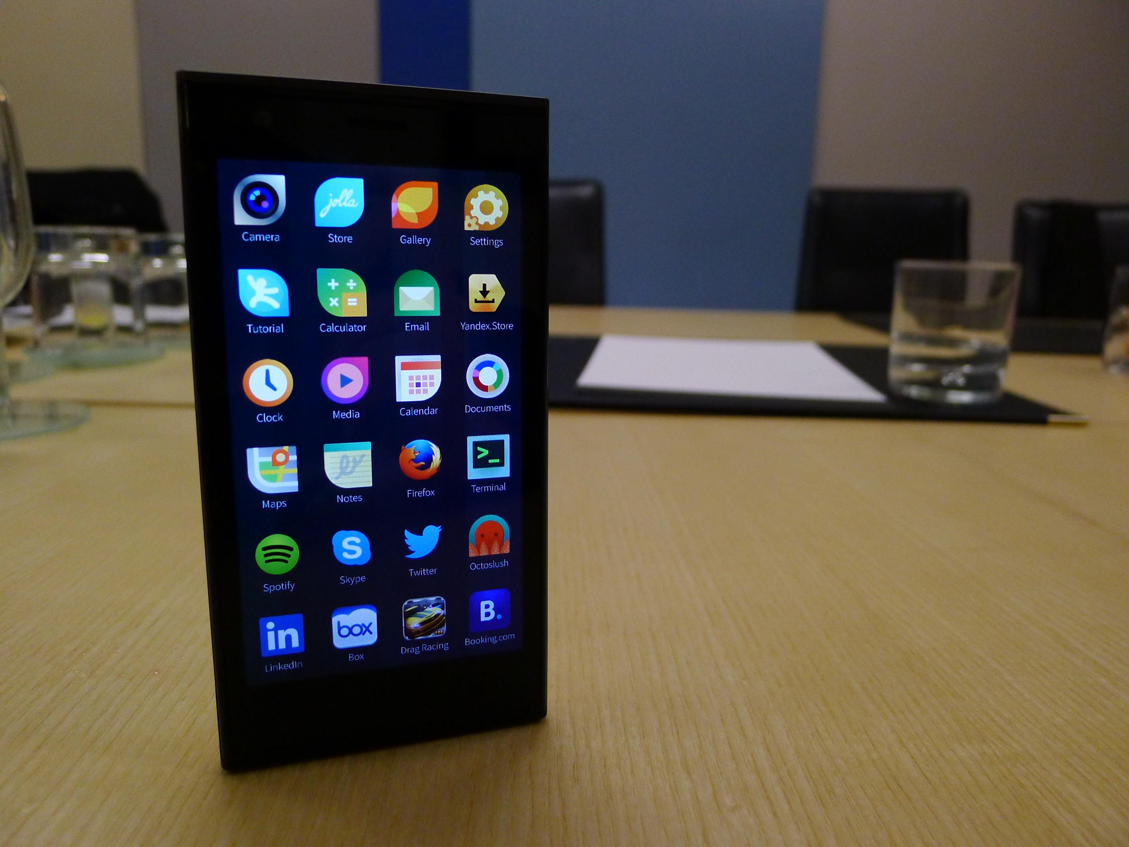 Русской мобильнойОС будет доработанная Sailfish отJolla