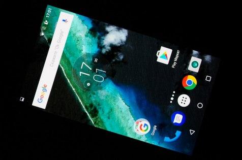 Обзор Moto Z Play — Дисплей