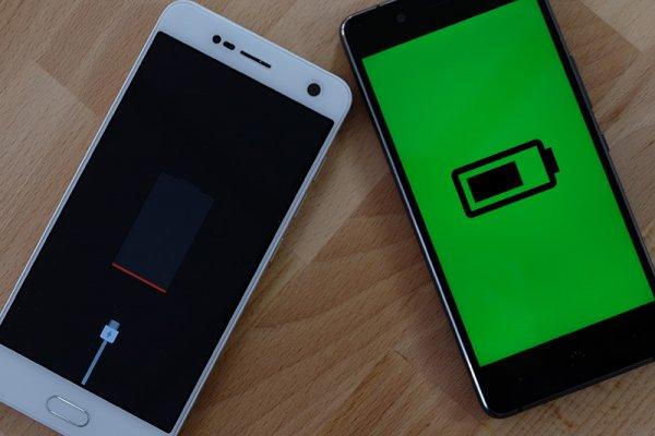 ТОП-10 смартфонов сбольшими батареями