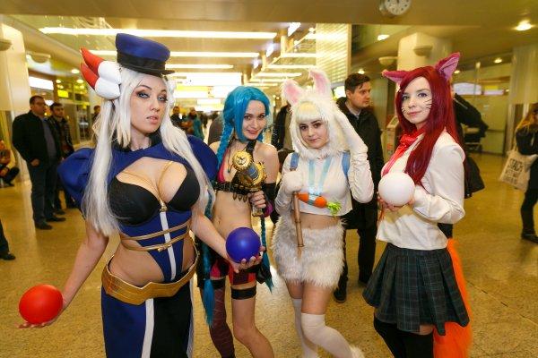 Фанаты встретили киберспортивную команду Albus NoX Luna как героев после Чемпионата мира поигре League of Legends