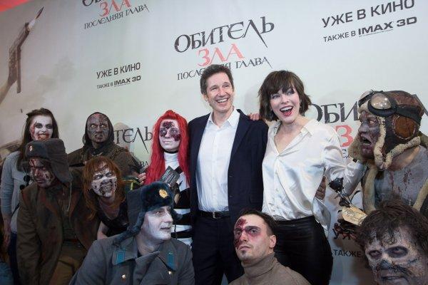 Милла Йовович прибыла вМоскву поддержать фанатов Resident Evil