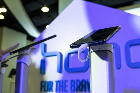Cтарт продаж Honor 8 Pro иLite— репортаж Trashbox.ru