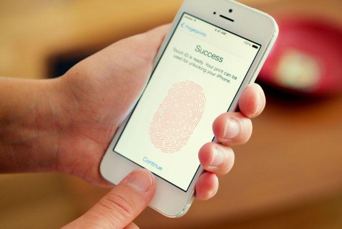 Специалисты отыскали недочеты всканере отпечатков пальцев на телефоне