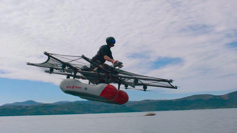 Компания одного изоснователей Google представила свой «летающий автомобиль»