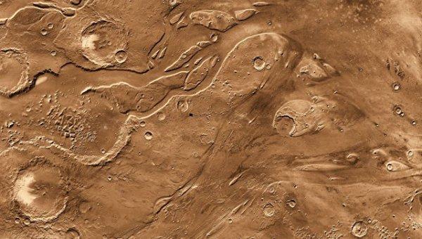 На экваторе Марса обнаружили запасы льда