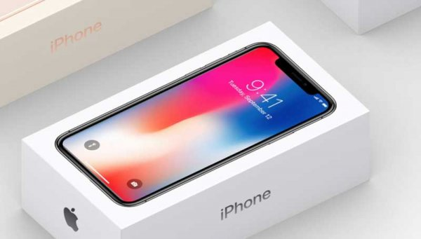 Apple может выпустить более дешёвую версию iPhone X