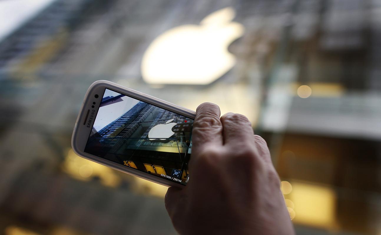 Samsung высмеяла недостатки iPhone вновой рекламе