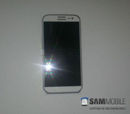 Первое шпионское фото смартфона Samsung Galaxy S IV