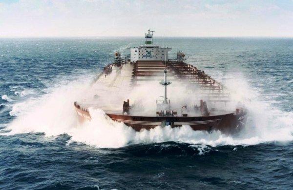 Первое электрическое грузовое судно спустили наводу вКитае