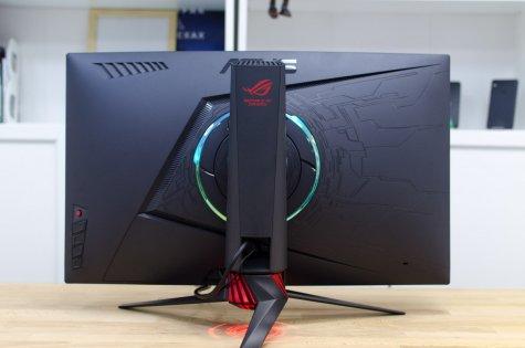 Обзор геймерского монитора Asus ROG STRIX XG27VQ — Внешний вид. 8