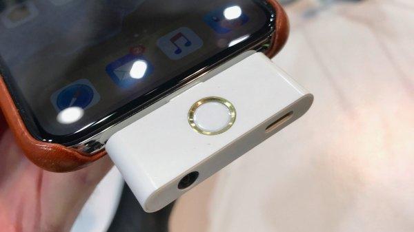 На CES 2018 привезли клоны устройств отApple