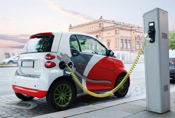 Российские власти планируют популяризировать электромобили