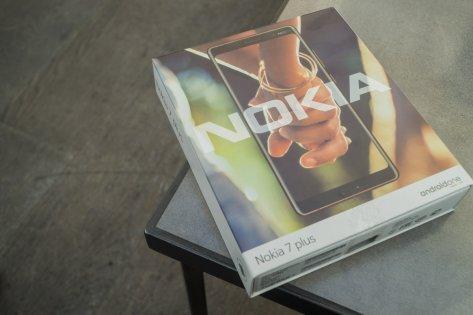 Обзор Nokia 7 Plus — Комплектация. 1