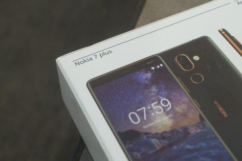 Обзор Nokia 7 Plus — Комплектация. 3