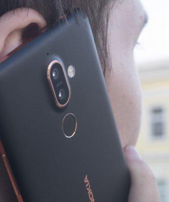 Обзор Nokia 7 Plus — Связь. 1