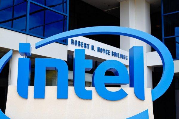 Intel готовит флагманский процессор с28 ядрами ичастотой 5ГГц