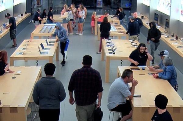 Украсть за 30 секунд дерзкое ограбление Apple Store попало