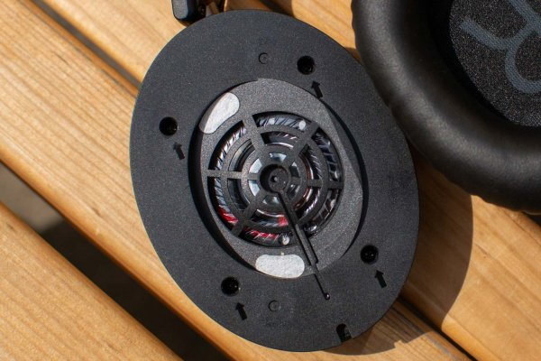 Обзор гарнитуры JVC HA-S70BT-B — Звучание. 1